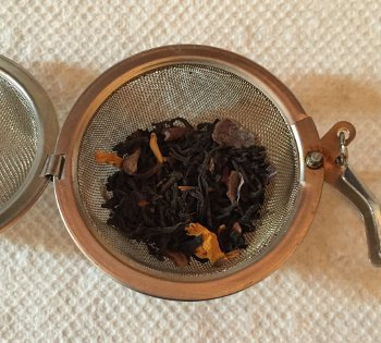 Chocolate Earl Grey tea leaves